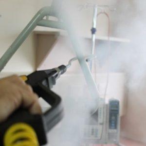 Reinigung mit Bett Micro Cleaner Trockendampf