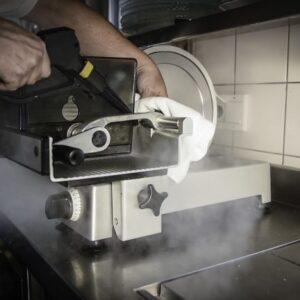Reinigung Schneidemaschine Micro Cleaner Trockendampf